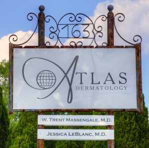 IMG_3837_Atlas Biz Front Sign